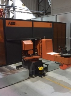 ROBOT AND MANIPULATOR MIG WELDING CELL - USED