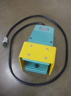 PROJECTION WELDER FOOT PEDAL - USED