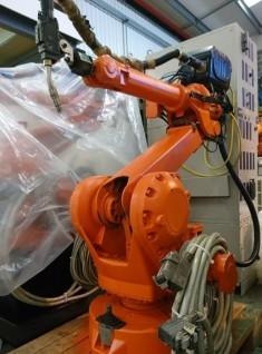ABB 2400L S4C+ ARCITEC MIG WELDING ROBOT